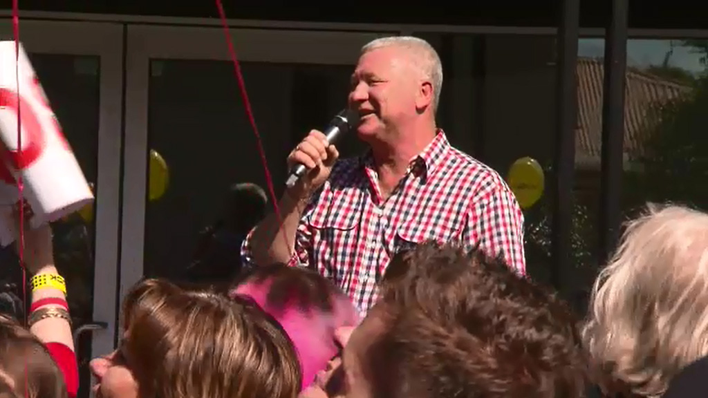 <p>Blockaholics queued up down the street in Melbourne today for an exclusive look inside the completed apartments.</p><p>The Block host Scott Cam welcomed those who had lined up since the early hours to get a peek inside the Blocktagon. (9NEWS)</p><strong>Click through the gallery to take a look inside.</strong>