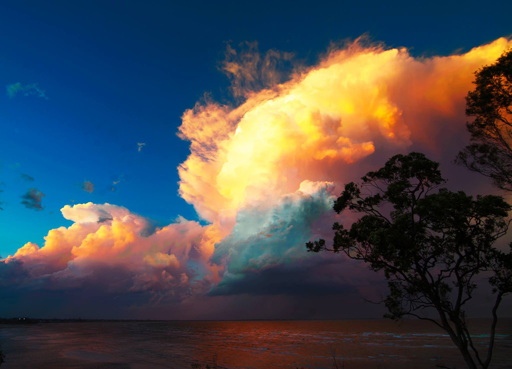 Another photo of the sunset taken by Mr Baxter. (The spectacular cloud formation. (Timothy Baxter)