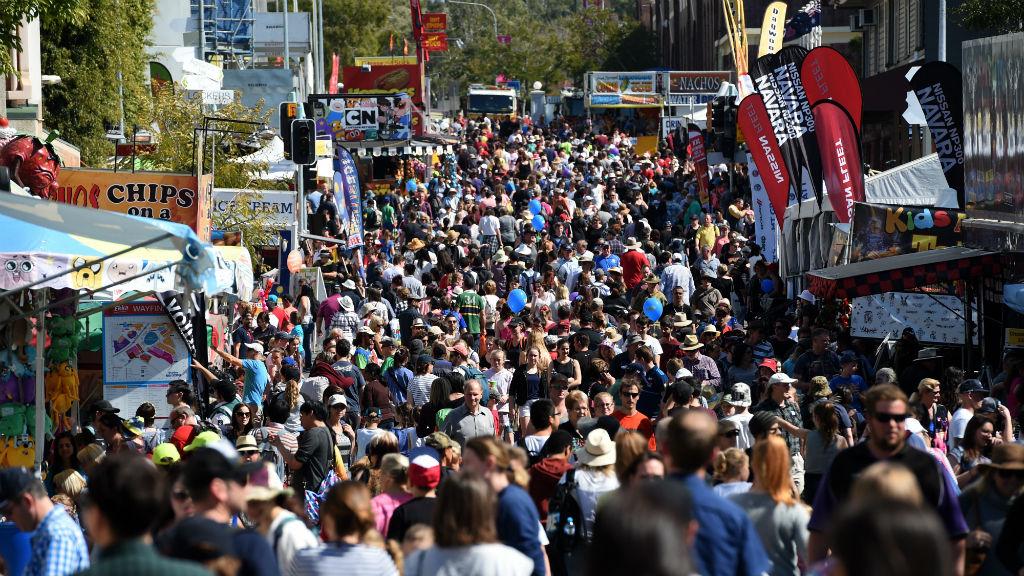 Crowds at the Ekka in Brisbane. (AAP)