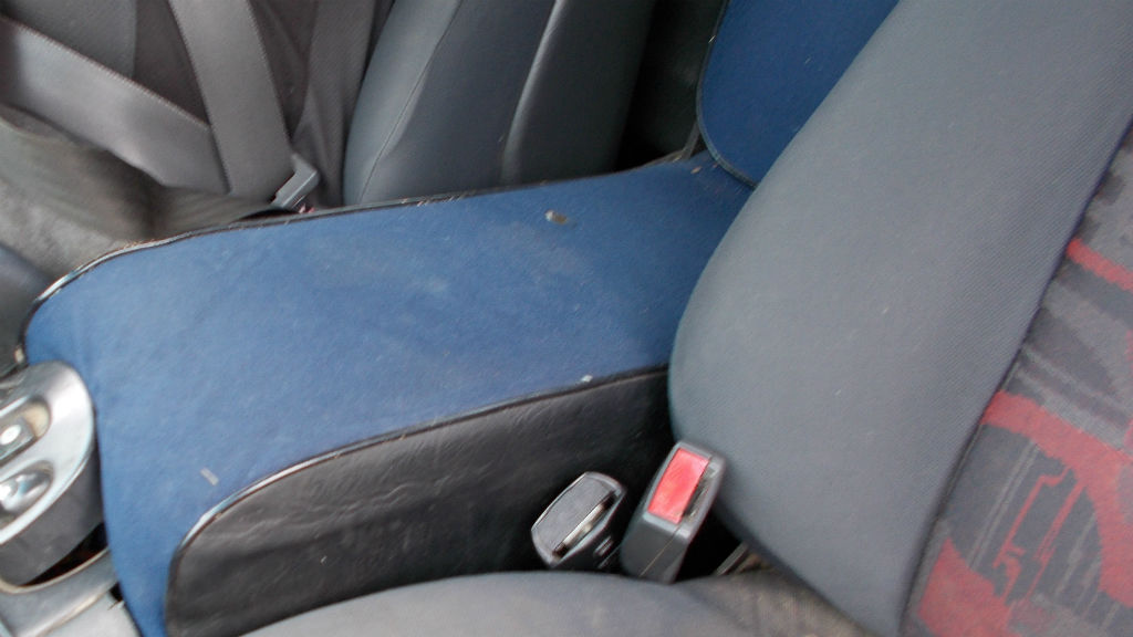 Melbourne driver fined $720 for using a homemade child seat in a ute