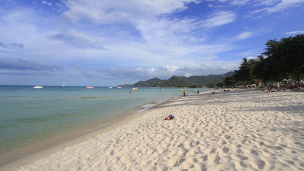 Two Aussies die in Bali and Thailand beach tragedies
