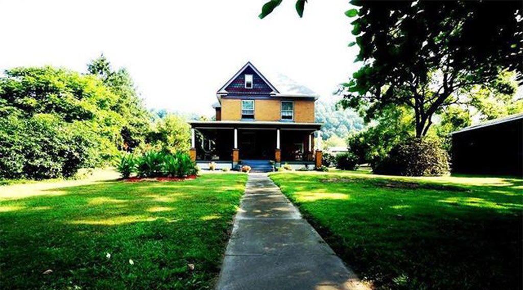 The home is located in Layton, Pennsylvania. (Realtor.com)
