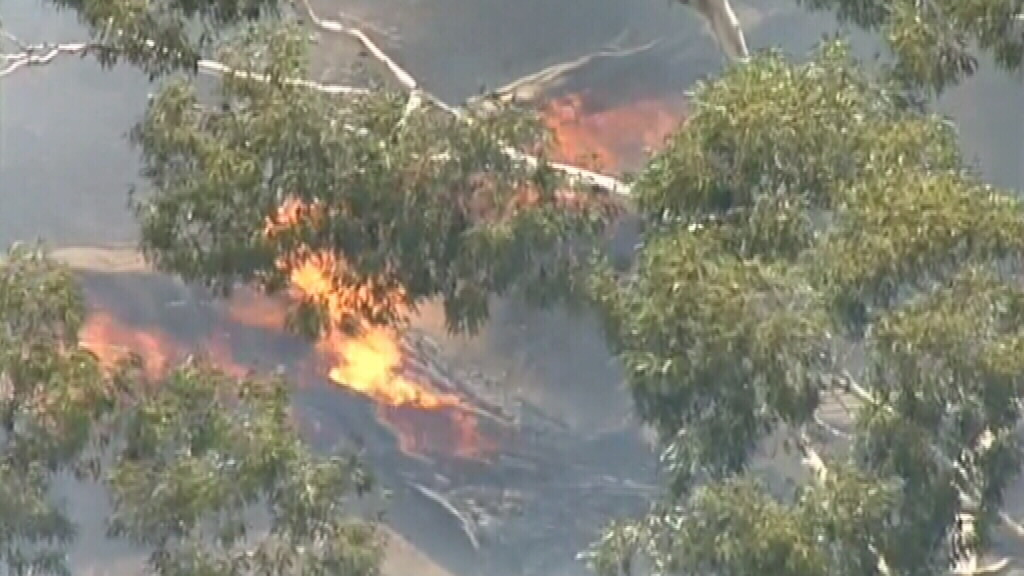 The fire is burning north of Kyneton. (9NEWS)