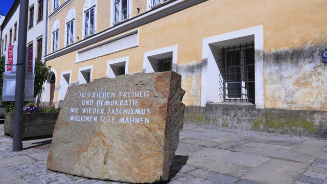 Austria's cabinet approved legislation that will see the state seize ownership of the house where Hitler was born, although the government appeared divided on what to do with the building.