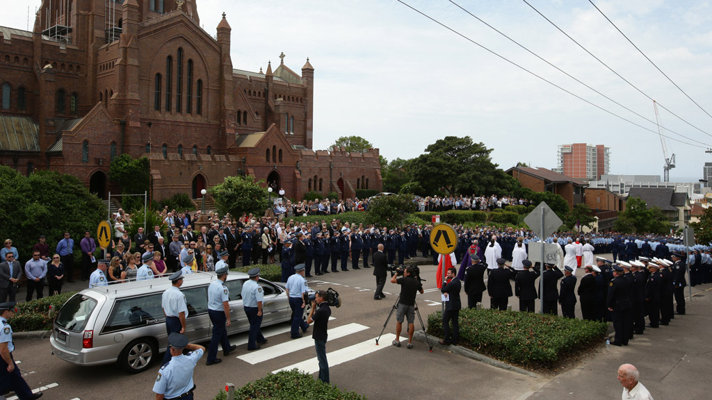More than a thousand attended the funeral of Sergeant Geoffrey Richardson. (AAP)
