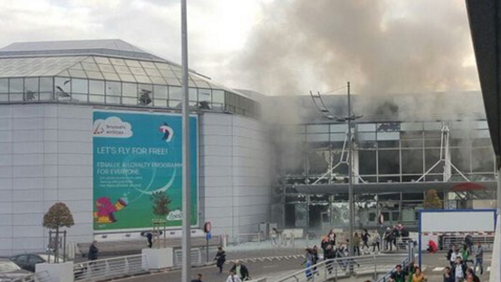 Smoke rises from Brussels' Zevantem Airport on March 22. (Twitter)