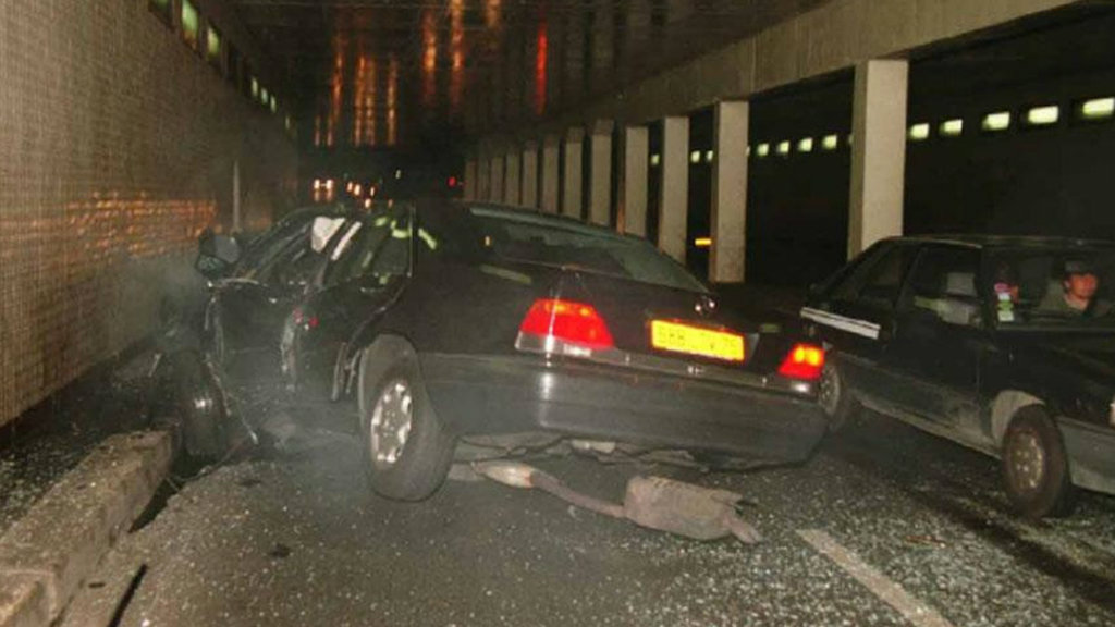 The wreckage of Diana's car in a Paris tunnel. (AAP)