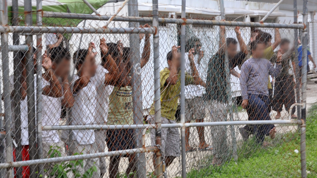 United Nations urges Australia to stop detaining refugees