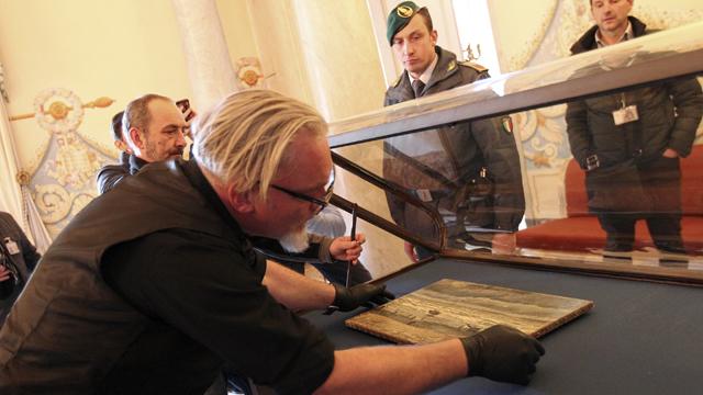 Stolen Van Goghs on show in Naples