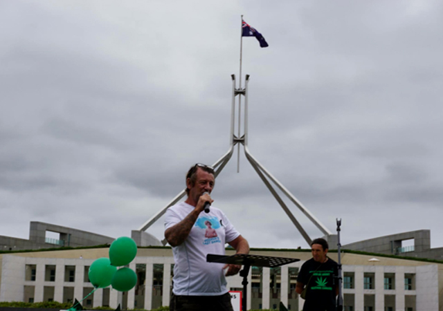 Craig Goodwin speaks at a medicinal cannabis rally in Canberra on February 8. Campaigners met with politicians Pauline Hanson and Derryn Hinch, raising their concerns about access to medicine. Source: Supplied
