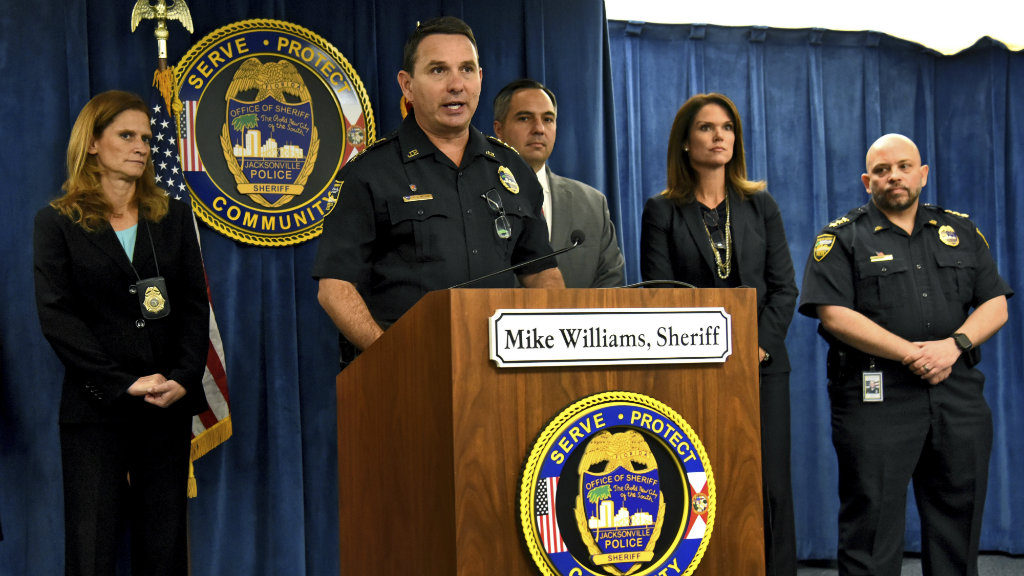 Sheriff Mike Williams addresses the media. (AAP)