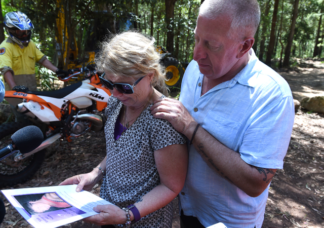 Mark comforts his wife Faye, as their search for missing son Matthew Leveson continues. Source: AAP