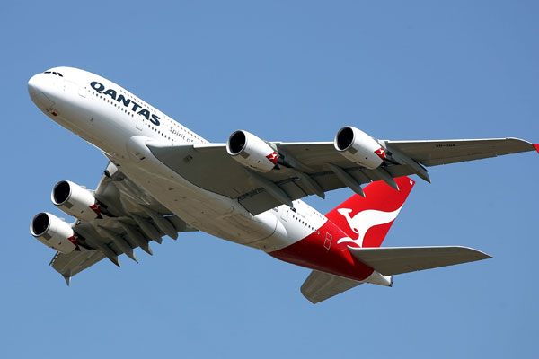 Dubai 46-hour delay 'very unusual' says Qantas