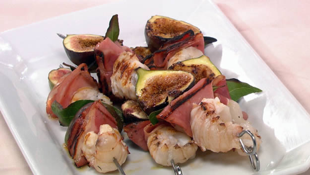 Balmain bugs with figs and pancetta kebabs