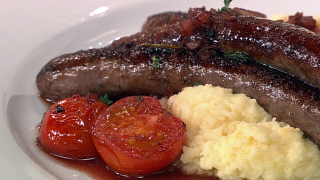 Lamb sausages with redcurrant sauce