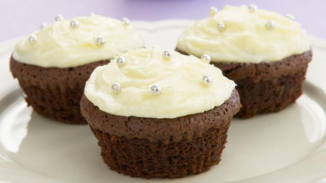Top deck cupcakes
