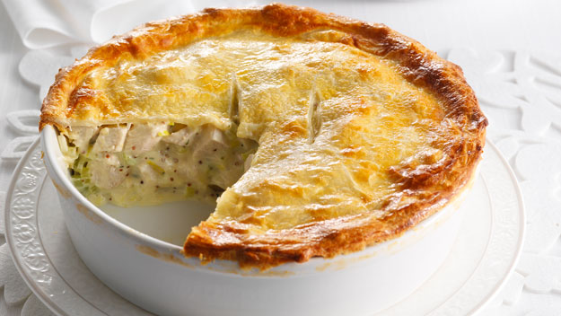 Creamy Chicken, Leek, and Mushroom Pie Recipe