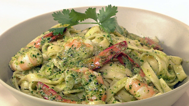 Creamy coriander pesto and prawn pasta recipe 9kitchen for Prawn and spaghetti recipe