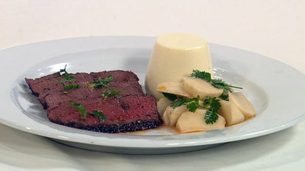 Seared venison with goat's cheese panna cotta