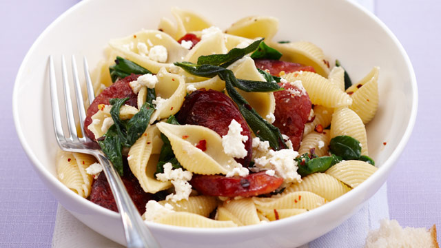 Pasta with chorizo, spinach and ricotta
