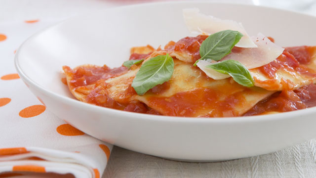 Spinach and ricotta ravioli recipe - 9kitchen