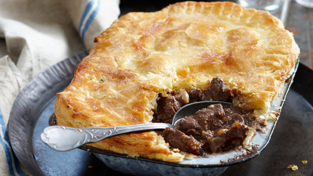 Steak and kidney piecider gravy