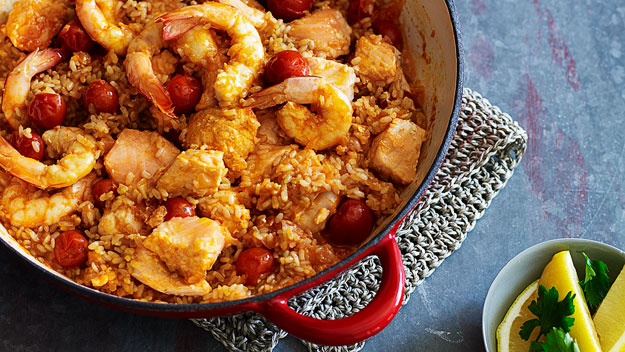 Heart-healthy seafood with tomato rice
