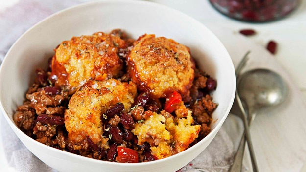Turkey chilli with cornbread dumplings