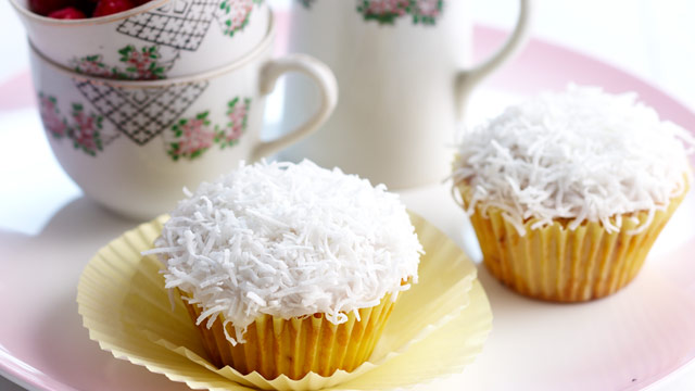 White chocolate and coconut rough cupcakes