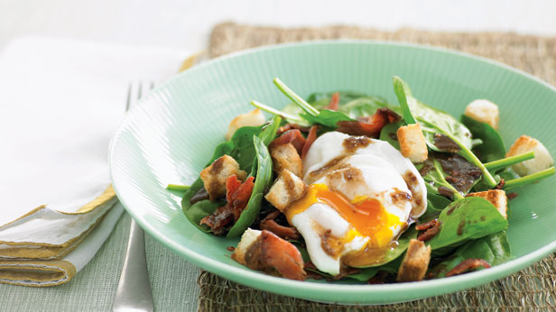 Bacon egg and spinach salad