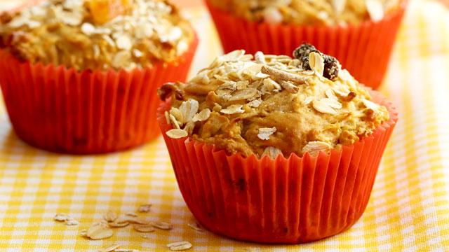 Bircher muesli muffins