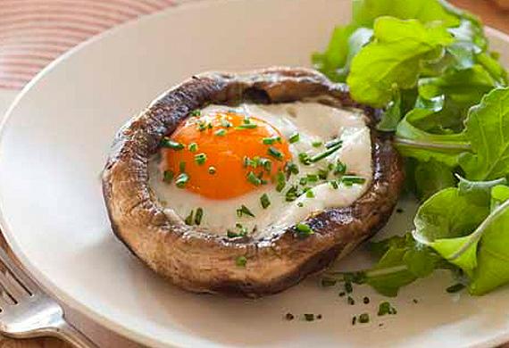 Egg in baked mushroom