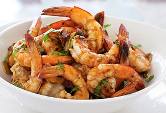 Barbecued lemon garlic prawns