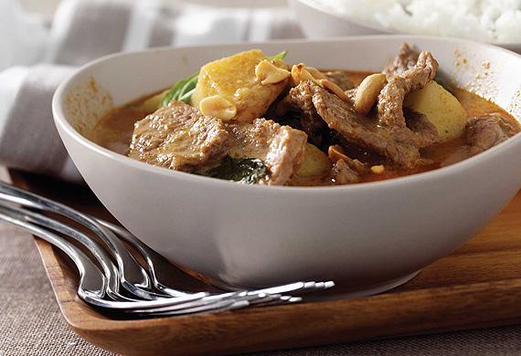 Quick massaman beef curry