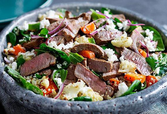 Lamb salad with cauliflower, carrot and quinoa