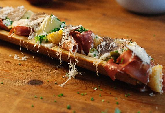 Jarlsberg mac and cheese 'sandwish'