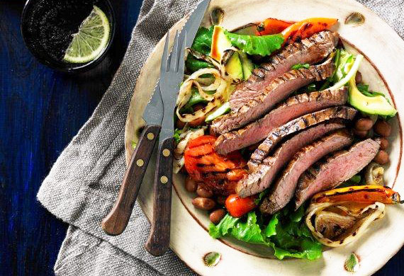 Fiesta skirt steak salad with chargrilled vegetables