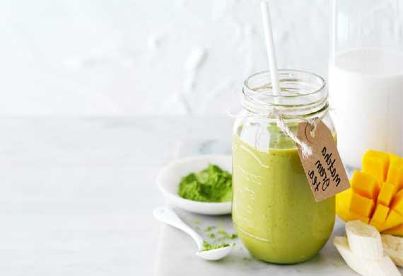 Matcha green tea smoothie