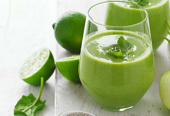 Apple, spinach and mint smoothie