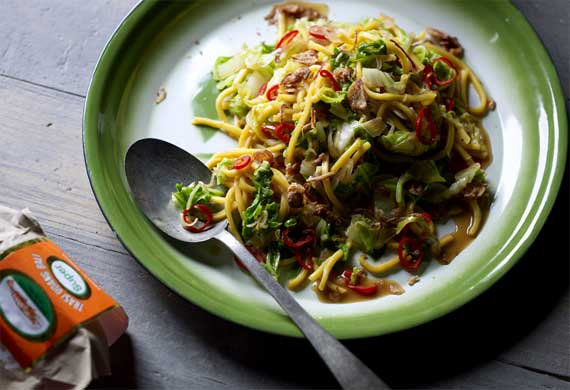 Janet DeNeefe's mie goreng (fried noodles)