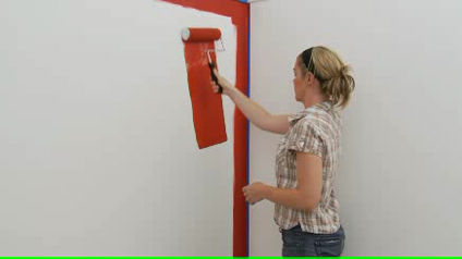 Painting a feature wall with Dulux Silk