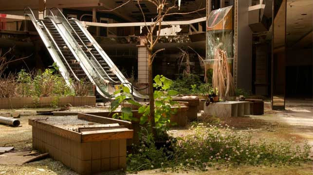 Inside America's abandoned 'dead malls'