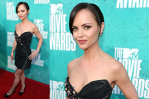 """<a href=""""http://yourmovies.com.au/article/8478086/2012-mtv-movie-awards-full-winners-list"""">Go to MovieFIX to find out who won</a>"""