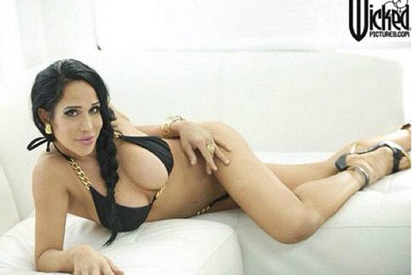 Octomom's porn star glamour shot