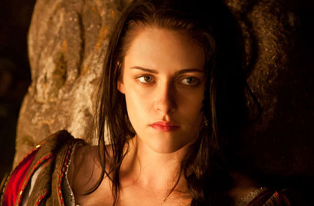 Kristen Stewart dropped from <i>Snow White</i> sequel