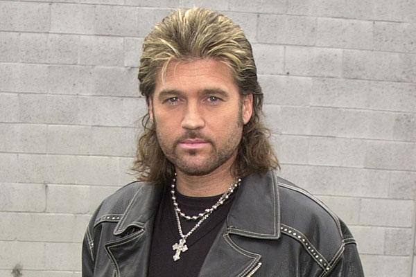 Billy Ray Cyrus announ...