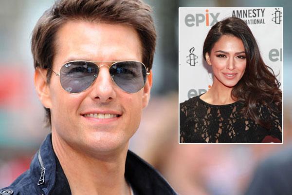 Katie Holmes divorces Tom Cruise