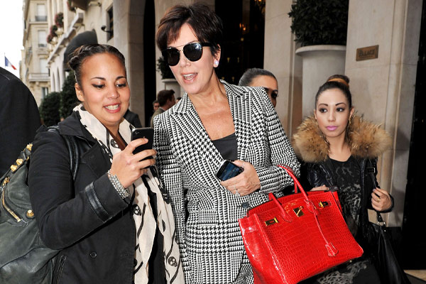 Kris Jenner tries to skip iPhone 5 queue, fails