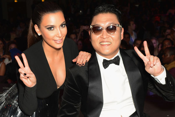 Peace: Kim Kardashian and Psy at the MTV EMAs 2012