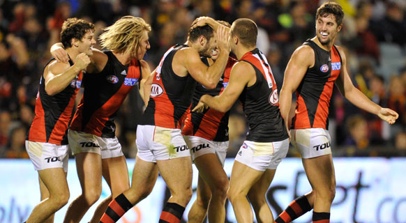 Crows v Bombers
